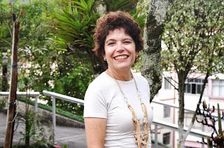 professora Ana Maria Gomes de Almeida, diretora do Centro de Ciências Humanas e Sociais (CCHS) do Centro Universitário Serra dos Órgãos (UNIFESO)