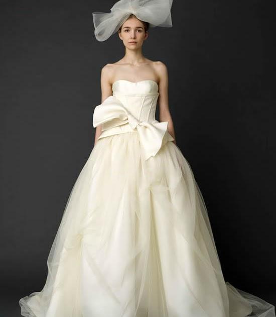 Brautkleider Mode Online: Schöne Brautkleider 2012 Kollektion