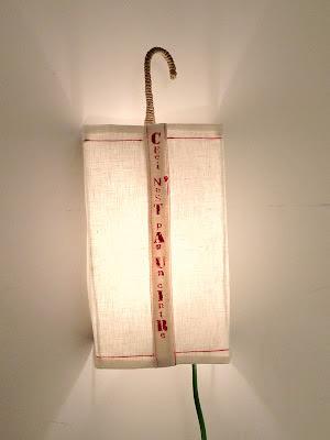 Lampe eco design réalisée en Provence