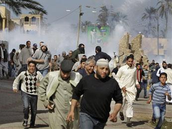 Los partidarios de Gadafi hacen de 'escudos humanos'