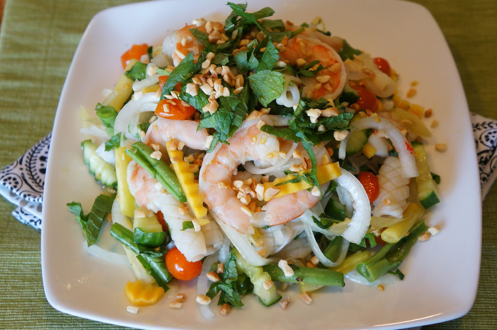 Gourmet by Kat: Thai seafood salad (Goi Thai tom muc)