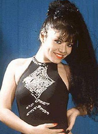 Teresa Espinoza posando para sus fans