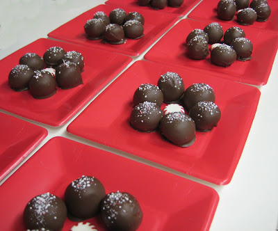 Christmas Peppermint Frost Cake Balls - Plated Cake Balls 2