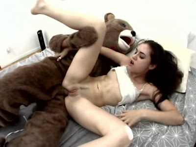 Cute teen gets destroyed by her first bbc