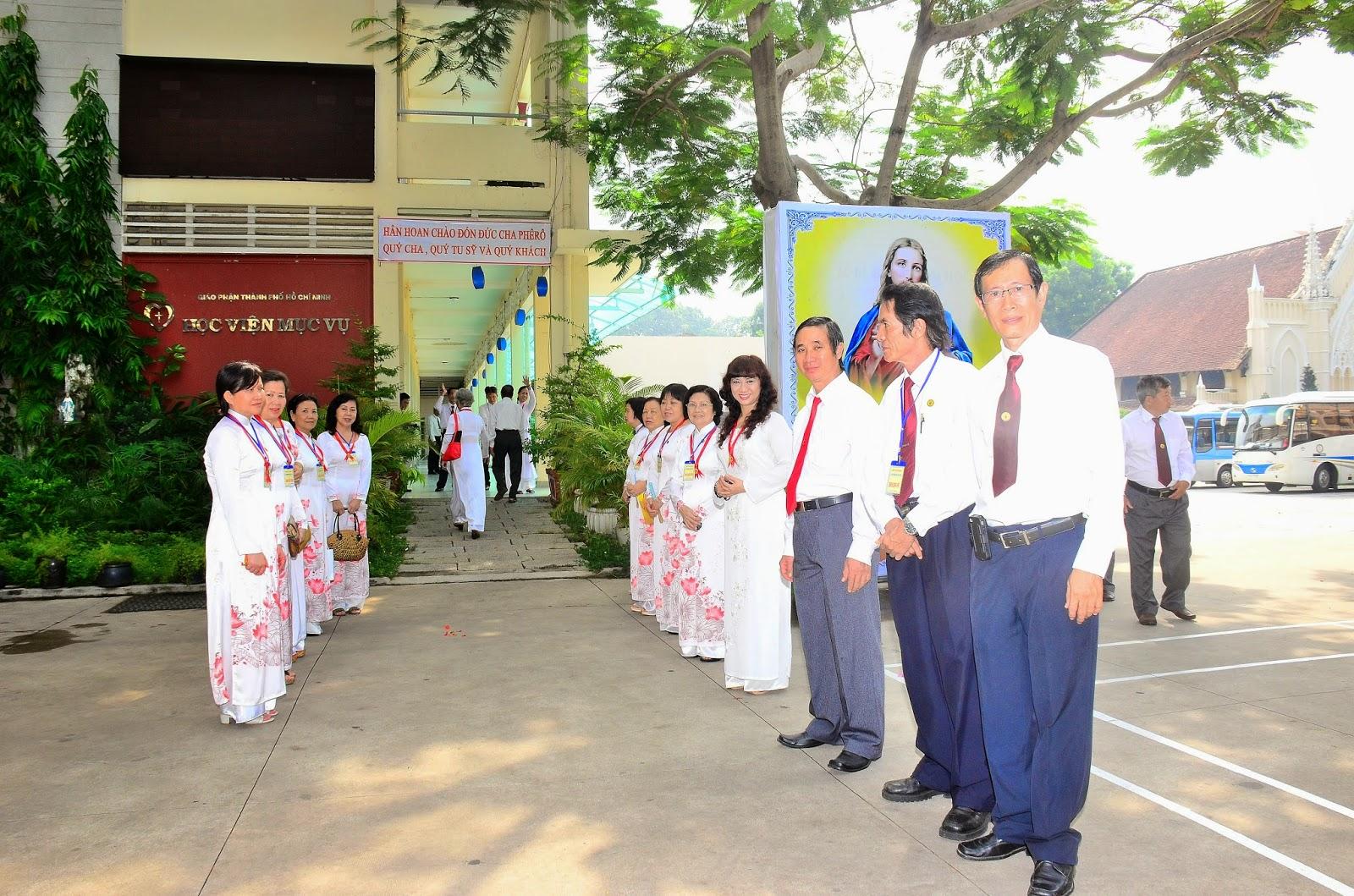 Gia Đình Phạt Tạ Thánh Tâm Tổng Giáo Phận : Mừng Bổn Mạng