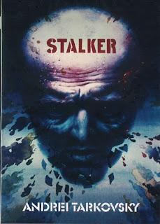 La película es protagonizada por Aleksandr Kaidanovski en el papel de Stalker, quien guía a los otros dos hombres: el Escritor, interpretado por Anatoli Solonitsyn, y el Profesor, interpretado por Nikolái Grinkó. Alisa Freindlich interpreta el papel de la esposa de Stalker.