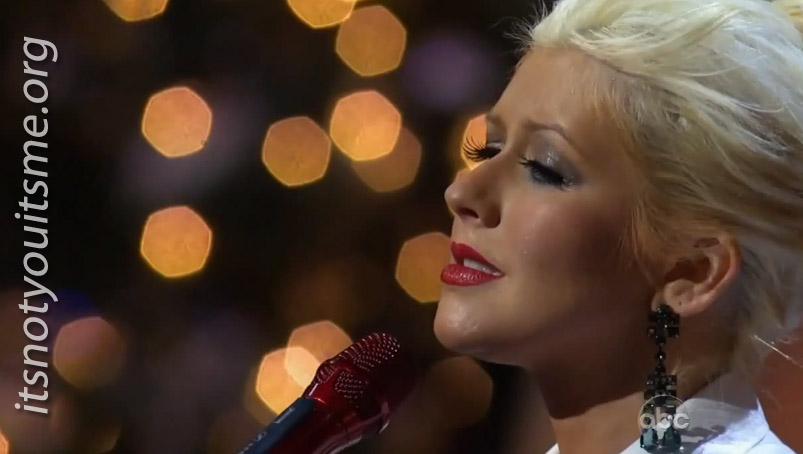 a merry little christmas with christina aguilera