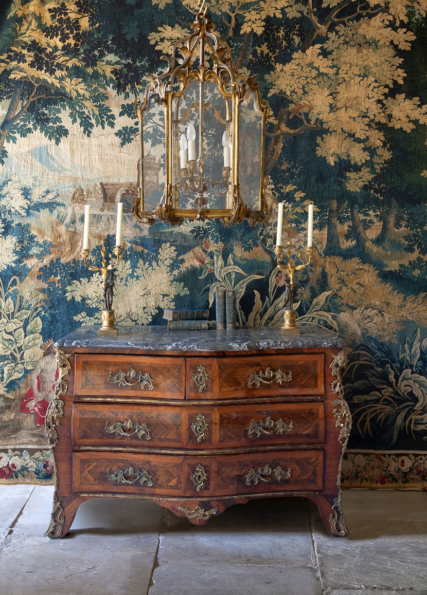 DECORATING WITH ANTIQUES IN THE SPRING - JULIA BOSTON - ANTIQUES DEALER : DECORATING WITH ANTIQUES IN THE SPRING