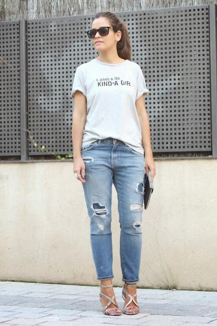 http://1.bp.blogspot.com/-MeAGyAbM5ak/VDRZ3i1J8zI/AAAAAAAAMys/dFWJVSZeK28/s1600/ripped_jeans_tshirt_heels_look_streetstyle_1.jpg