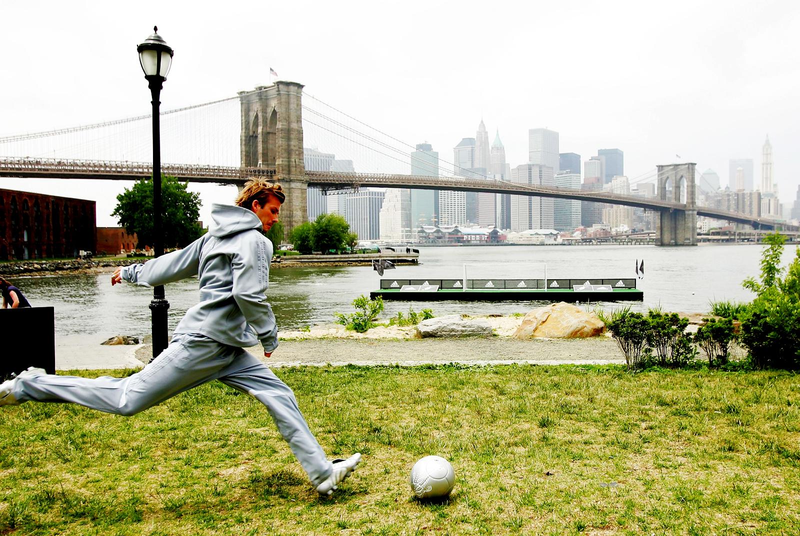 http://1.bp.blogspot.com/-MeE8sQEaT6A/Ttt7A-ZgSHI/AAAAAAAAEvg/GA5ihNcdR50/s1600/David_Beckham_Adidas_Shooting-Vvallpaper.Net.jpg