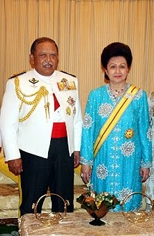 Raja dan Raja Perempuan Perlis Indera Kayangan.
