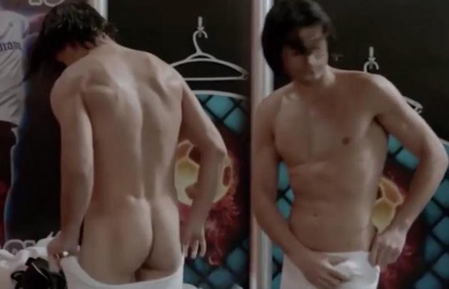 Escena desnuda sin censura de Bolly