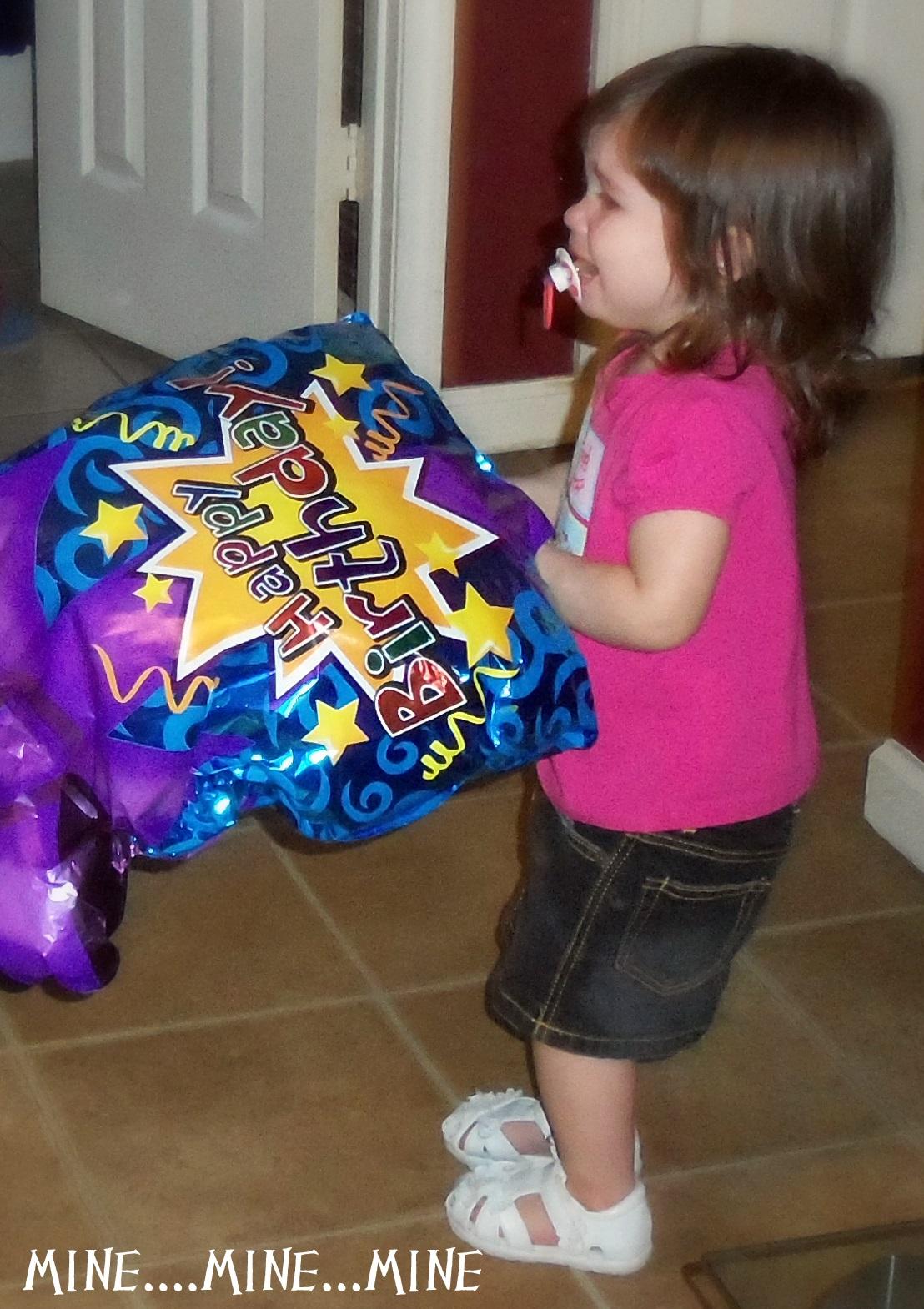 http://1.bp.blogspot.com/-MeVpHnvjYyc/Tf6iC9_UCuI/AAAAAAAAC2E/WMrrYItzHzk/s1600/fathers+daylillys+birthday+045.JPG