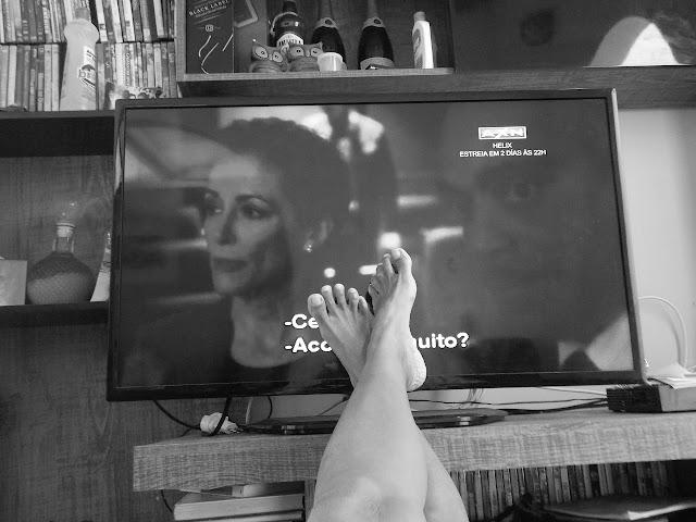 Serial oglądany przez ładne nogi.