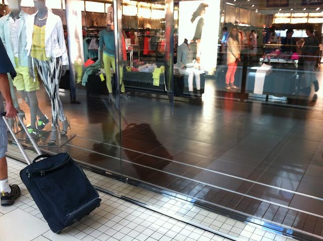 A mala de rodinha, indispensável para compras nos Shopping