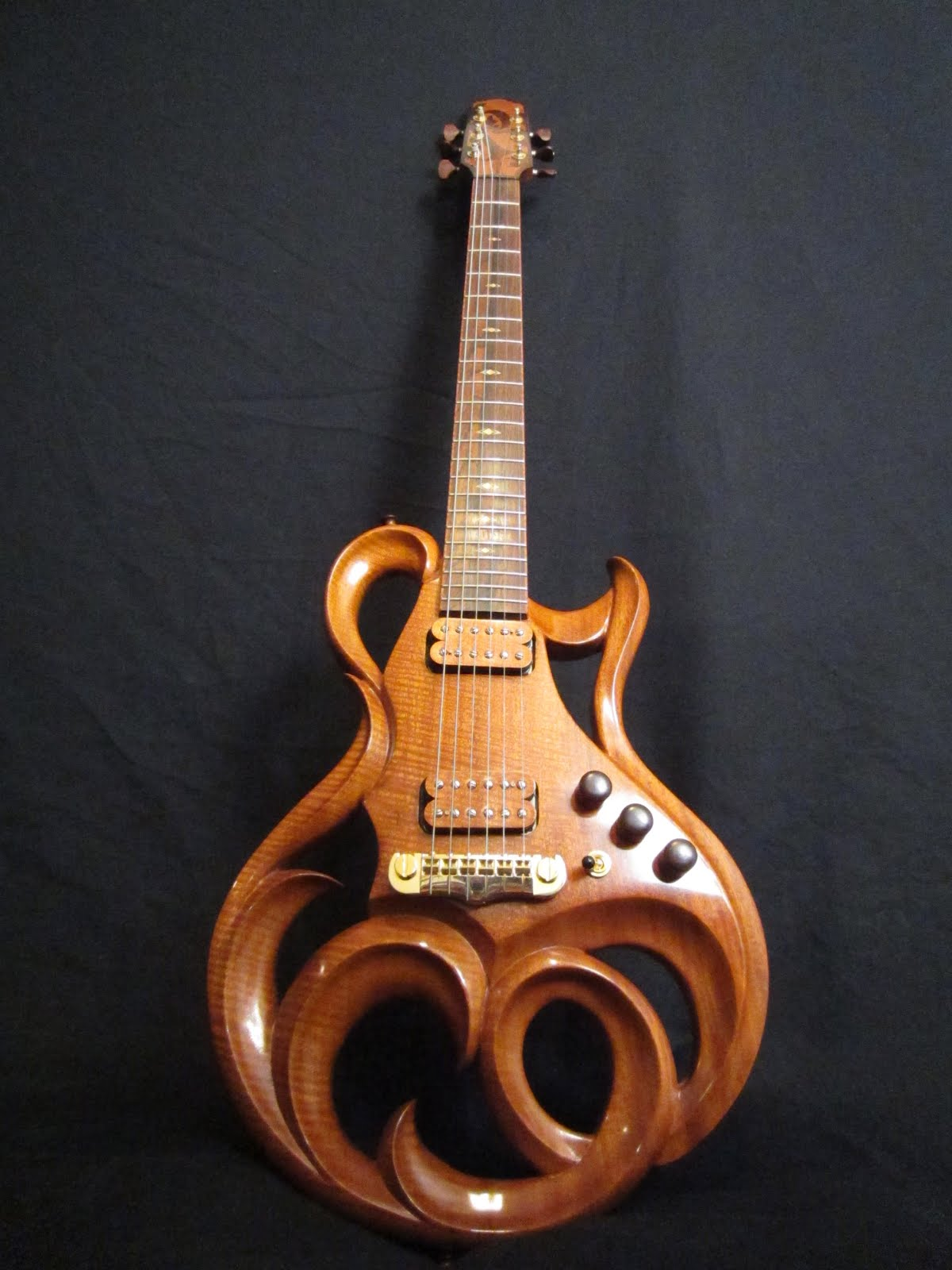 Rigaud guitars blog the beautiful hand crafted electric for Handcrafted or hand crafted