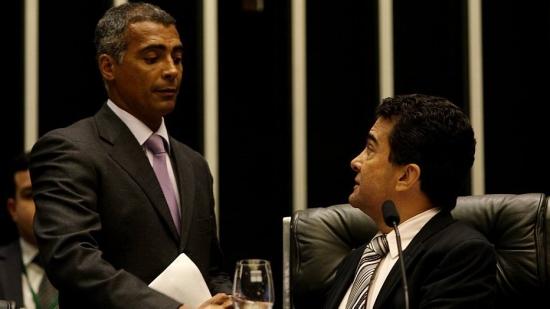 Presidente da CPI do Futebol, Senador Romário (PSB-RJ) pediu contratos da CBF