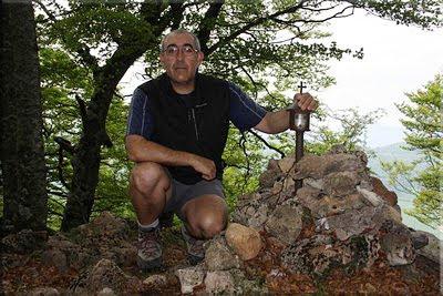 Ilarratxa mendiaren gailurra 1.145 m. - 2011ko maiatzaren 13an