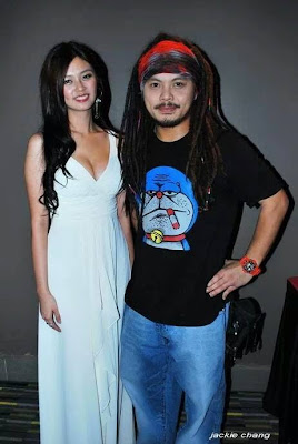 Namewee with hottie Iris Woo in sexy dress with massive cleavage