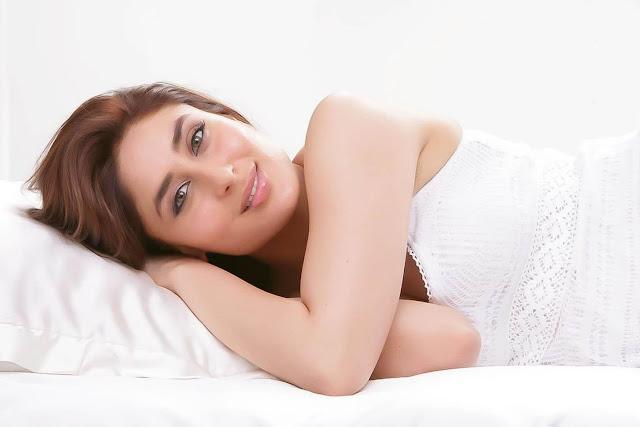 kareena kapoor | sizzling hq shoot in white latest photos
