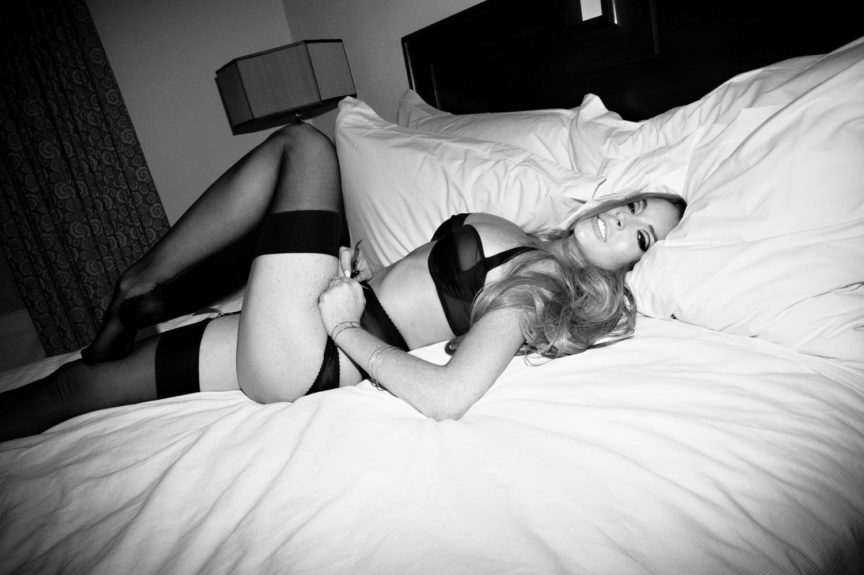 http://1.bp.blogspot.com/-MfgxMnu5Lag/T9wLJrVY4QI/AAAAAAAACS8/GT_3BsDGR-U/s1600/Lindsay+Lohan+Wearing+Lingerie+And+Looking+Sexy+In+Photoshoot+By+Olivier+Zahm+www.GutterUncensored.com+005.jpg
