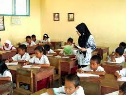 Permendikbud No 141 Tahun 2014 Penghentian Kerjasama Program Guru Bantu
