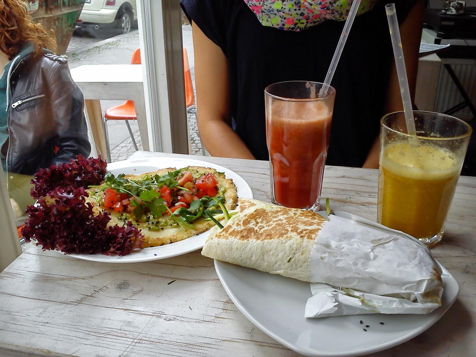 Ihana superfood-aamiainen Berliinissä.