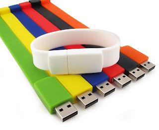 http://asalasah.blogspot.com/2013/07/cara-membuat-partisi-di-dalam-flash-disk.html