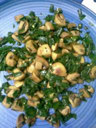 mushrooms with spring onions ....a flavorful stir fry..