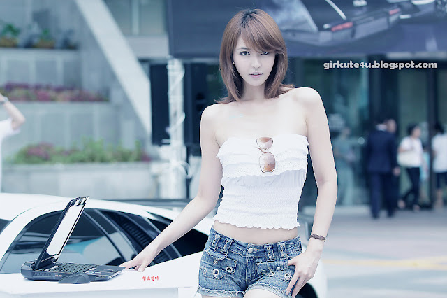 18 Kang Yui-ASUS Lamborghini VX7 Roadshow-very cute asian girl-girlcute4u.blogspot.com