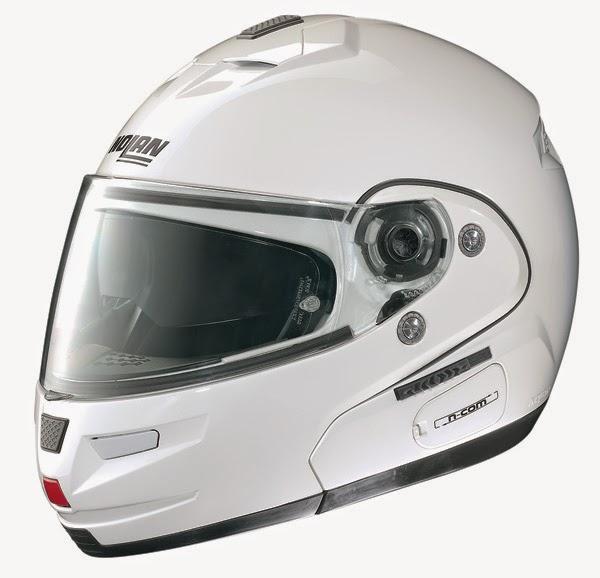 Manfaat Menggunakan Helm Sepeda Motor