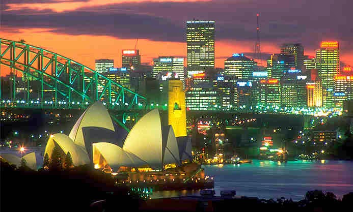 The city of Sydney at night