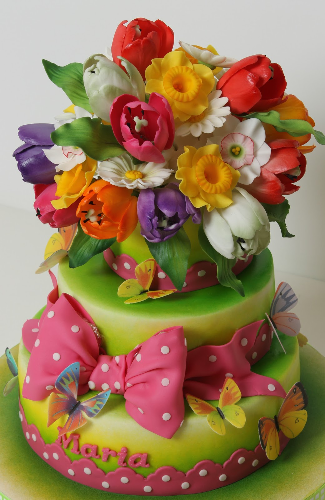 Цветы из мастики на торте фото
