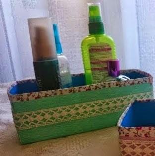http://www.decoraydiviertete.net/2015/02/organizar-bano-cestas.html