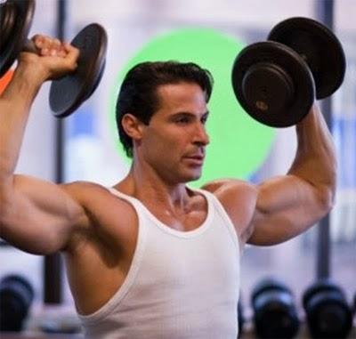 9 rutinas de ejercicios para hombres en casa sin pesas y - Como hacer gimnasia en casa ...