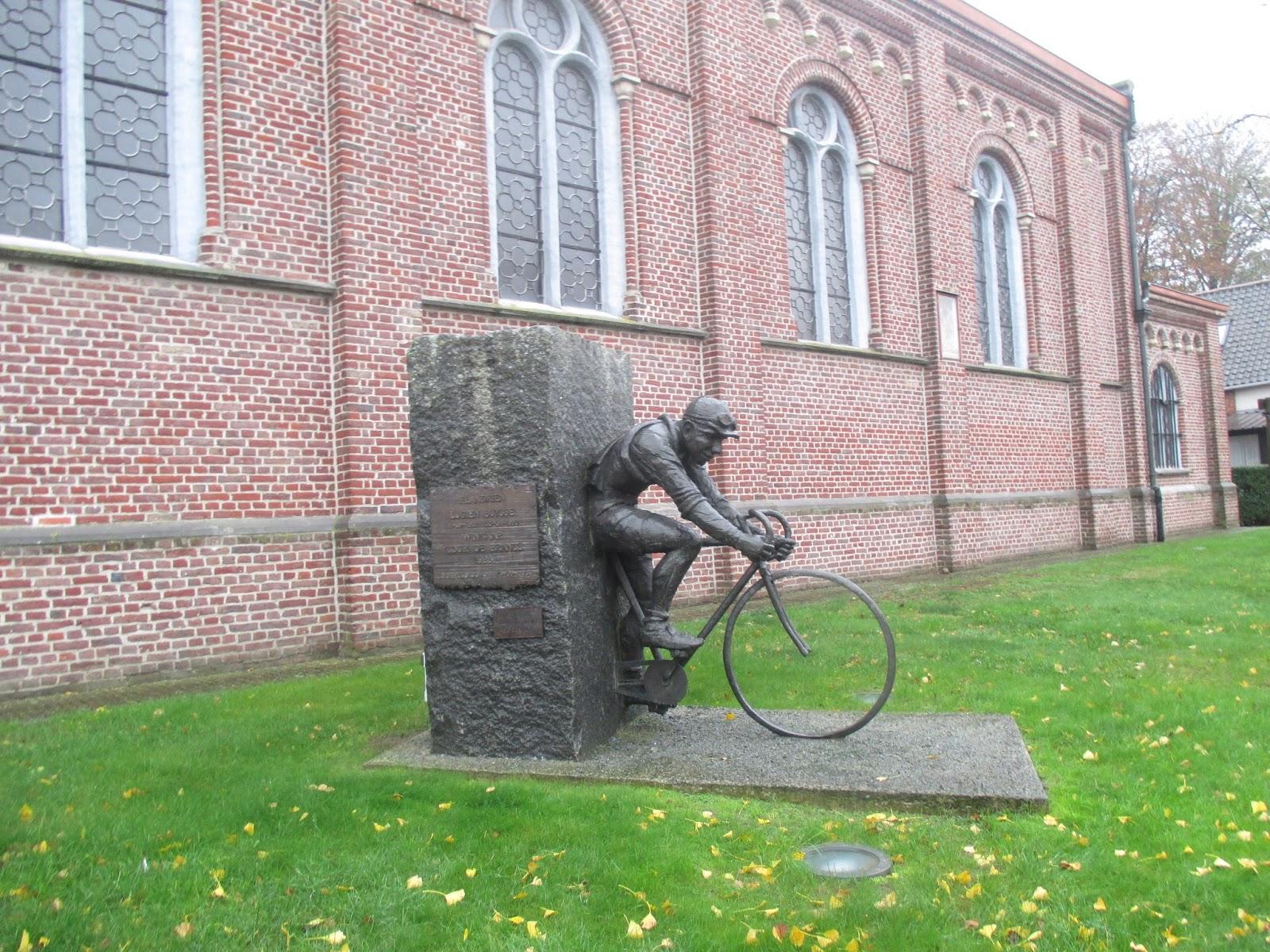 standbeeld Lucien Buysse