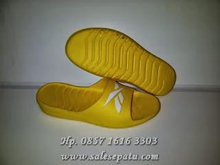 Toko sandal reebok murah
