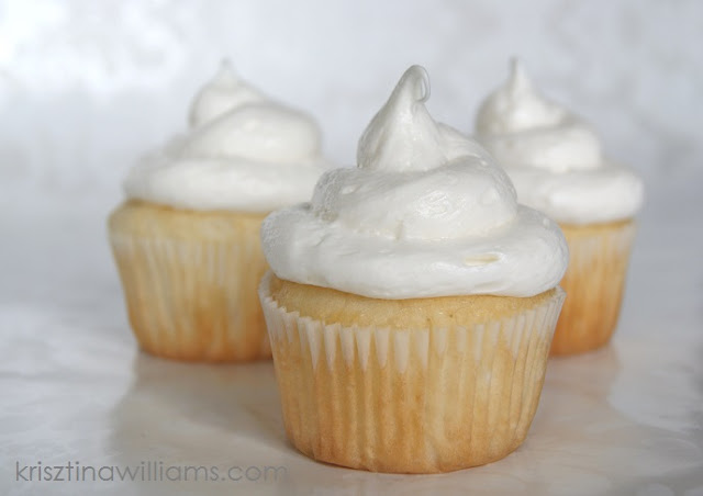 Cupcakes white cake mix recipe recipe for vanilla cupcakes jpg
