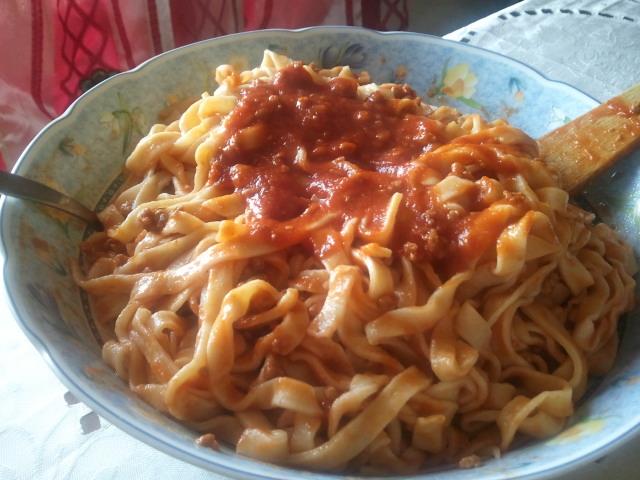 In cucina con lety tagliatelle al ragu 39 classico piatto for Piatto della cucina povera
