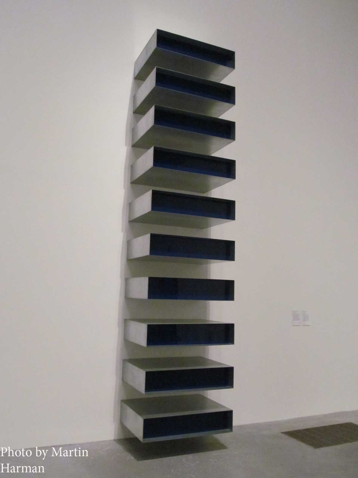 Martin harman tate modern london november 27 2012 for Donald judd stack 1972