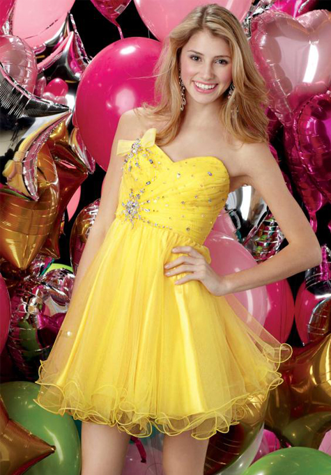 Yellow prom style