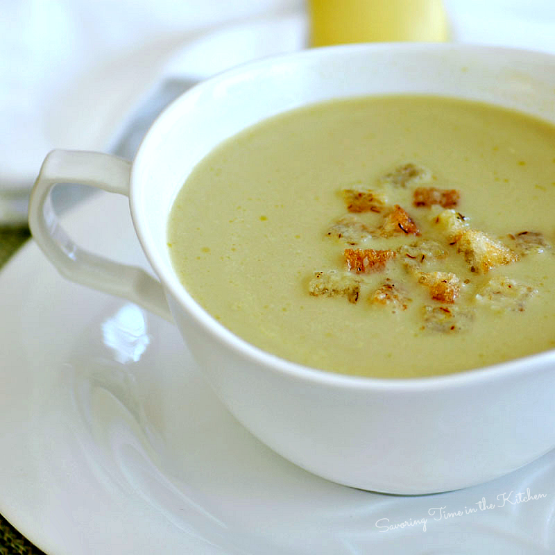 ... Time in the Kitchen: Creamy Asparagus Soup with Saffron Croutons