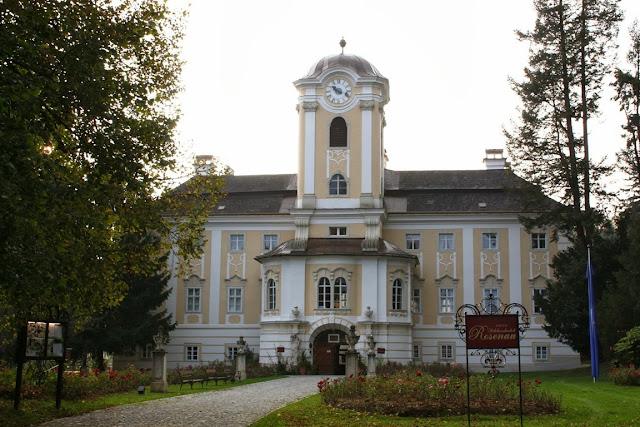Das Schlosshotel Rosenau © Copyright Monika Fuchs, TravelWorldOnline