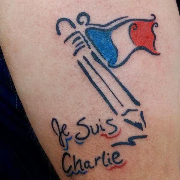 Tatuaje Je suis Charlie (Homenaje a las víctimas de Charlie Hebdo)