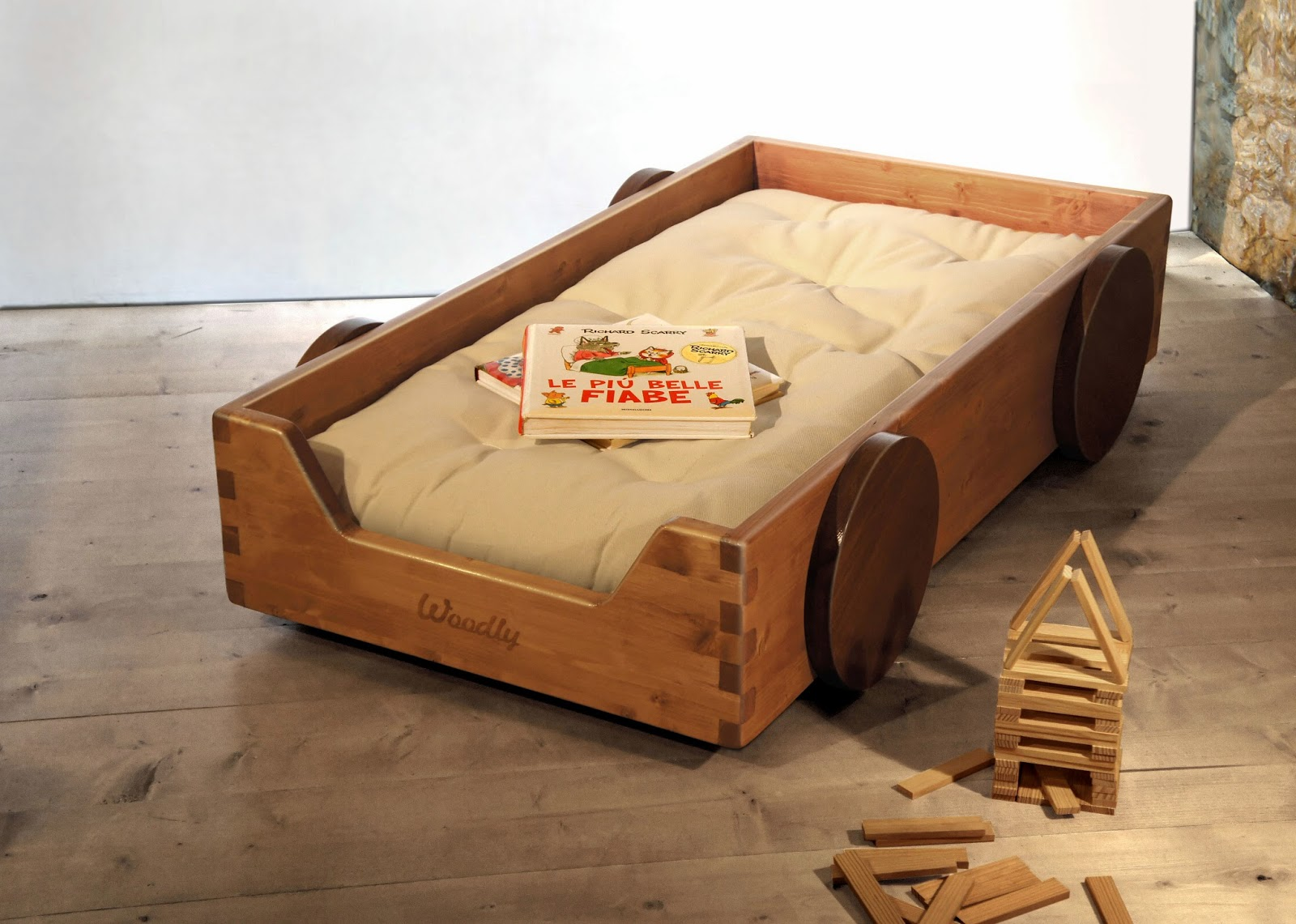 Montessori floor bed for Floor bed design