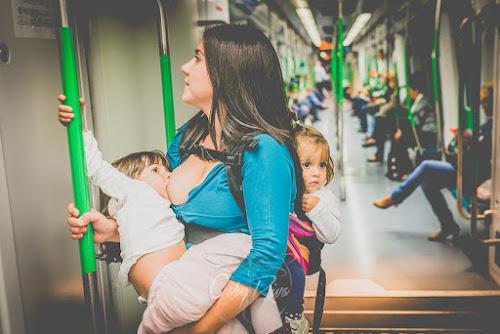 Fotos mostram mães que amamentam filhos com mais de dois anos