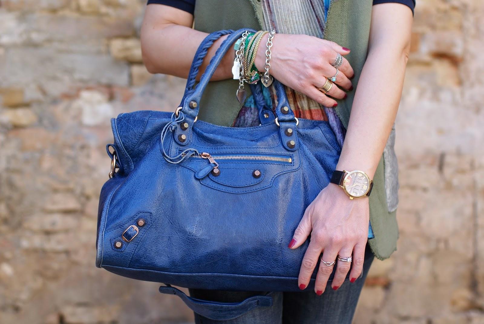 Praio sleeveless jacket, Millelire orologio, Balenciaga City, Fashion and Cookies, fashion blogger