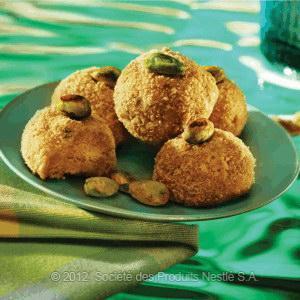 Vanilla And Pistachio Biscuit Balls Recipe