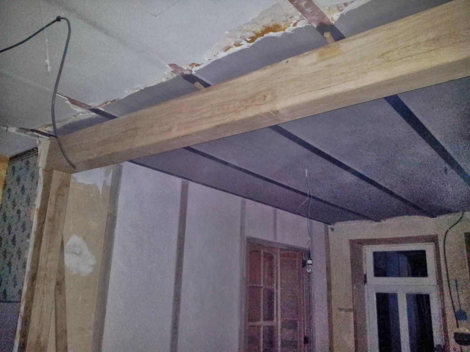 M nessaire januari 2014 - Plafond met balk ...