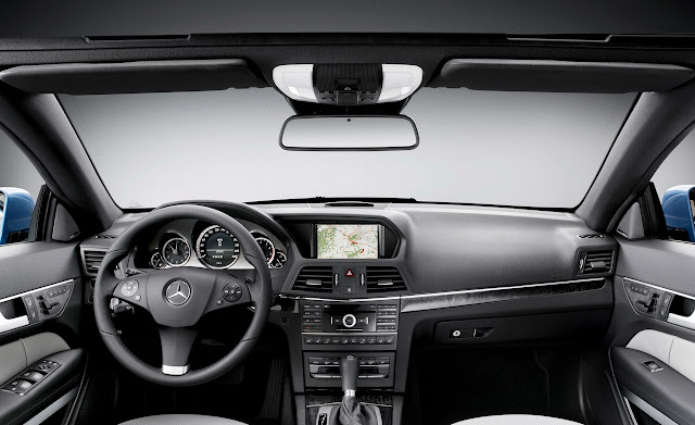 Cho thuê xe Mercedes-Benz E350 Cabriolet 2011